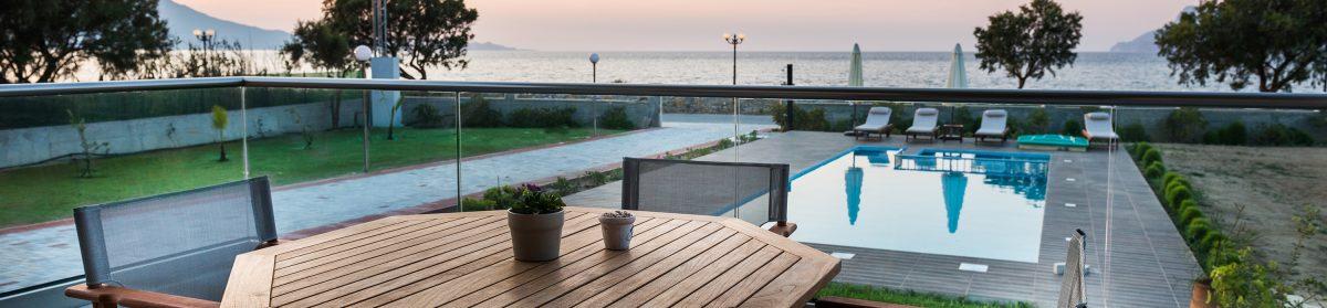 Niovi Seaside Suites